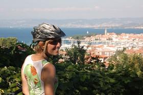 izola and cyclist